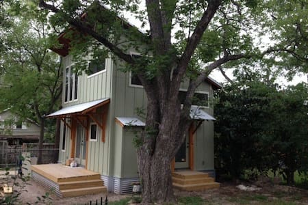 Zen Treehouse near downtown SA - San Antonio - Haus