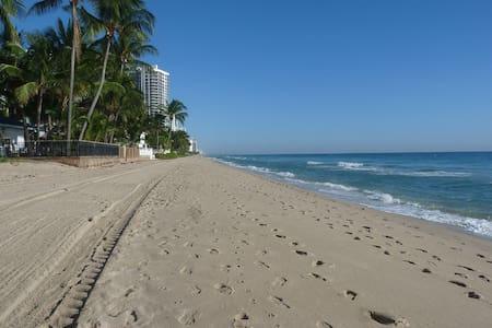 FORT LAUDERDALE BEACH - Fort Lauderdale