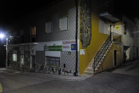 Albergaria Pinheiros - House