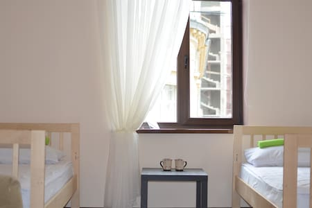 Room in the Center with WI-Fi (2) - Lviv - Apartamento