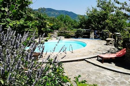 Exceptional villa with pool, views - Mombarcaro - Haus