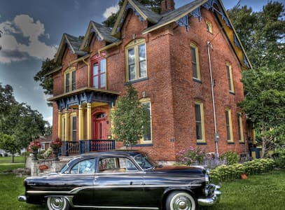Welcoming guests for a century... - Kingsville - Bed & Breakfast