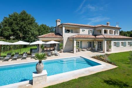 Luxury villa with private sport and eco resort - Villa
