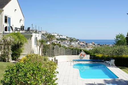 B&B in Cornish Fishing Village - Bed & Breakfast
