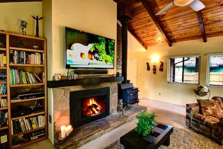 Sunny Pines Flagstaff Vacation Home - Flagstaff - Srub