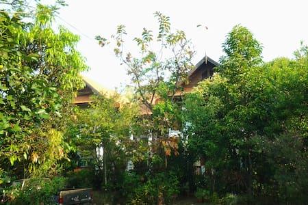 Ruan Tawanok   Mae Hong Son - Amphoe  Muang  - Bed & Breakfast