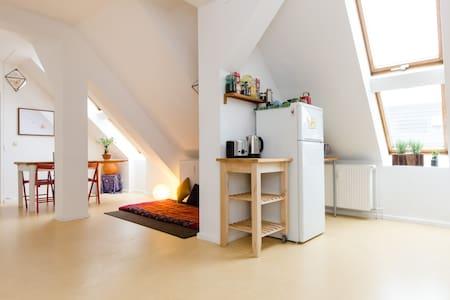 Bright, calm and cozy in Neukölln