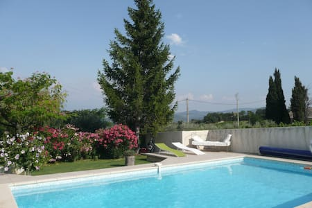"""VILLA GOUR du PEYROL""    B & B - Buisson - Bed & Breakfast"