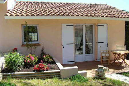 Chambre d'hotes Les TOULOUSETTES - Pelleport - Bed & Breakfast