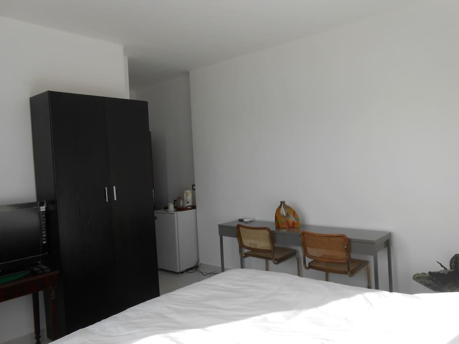 By The Lemon Tree Furnished Rooms