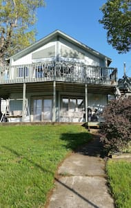 Lake front home - Climax Springs - Casa