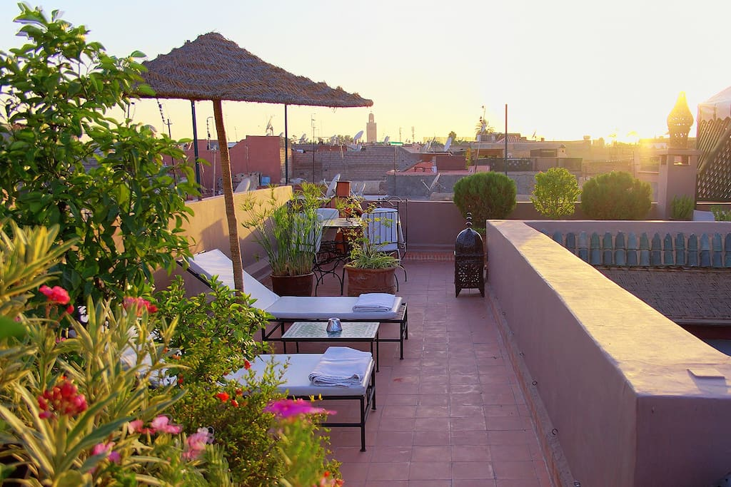 La terrasse du Riad au coucher de soleil