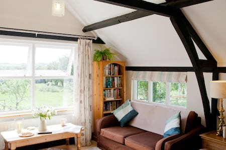 Idyllic Oxfordshire Village Barn - Long Wittenham - Apartment