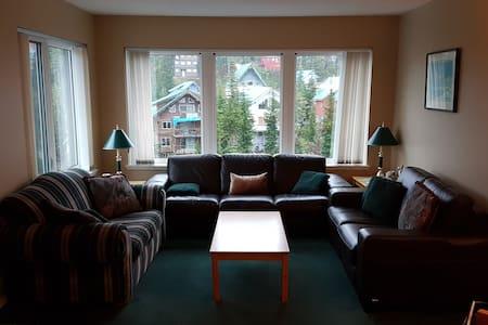 Blueberry Hill slopeside 3 bedroom condo - Comox-Strathcona C