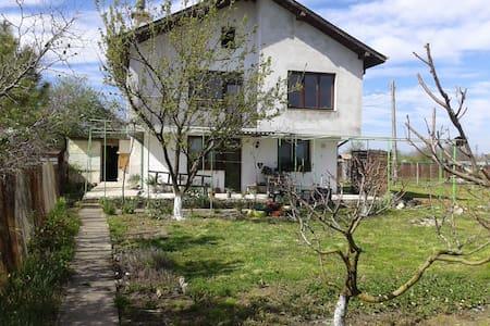 bonita casa en centro de Bulgaria - Petrovo - Maison
