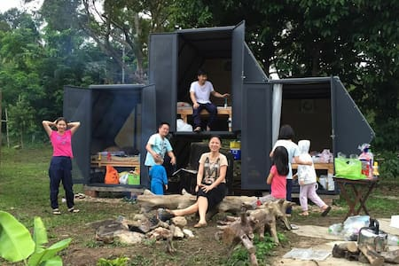 3Honeycomb Pods for 3 Families Glamping in Orchard - Cabaña
