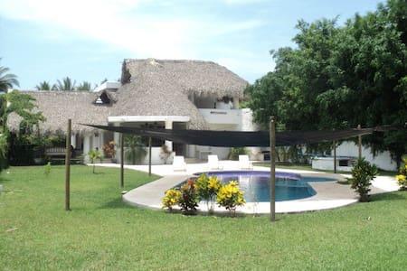 Casa de playa cerca de monterrico - Monterrico - Chalet