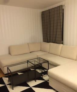Modern flat - central location - Leilighet