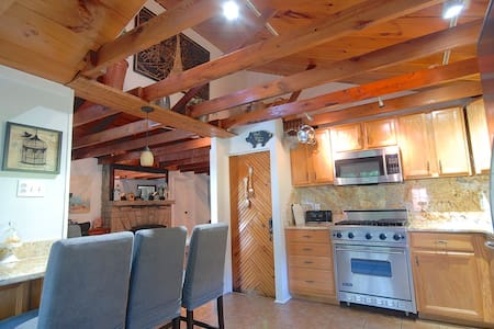 Cozy Mountain Cottage near Ohiopyle State Park - Hopwood - Pensione