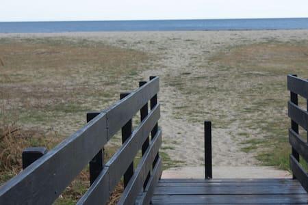 Mini villa en bord de mer, plage de sable fin - Ghisonaccia