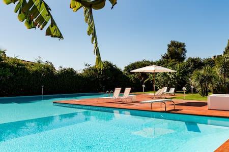 WiFi villa with pool - Capoterra