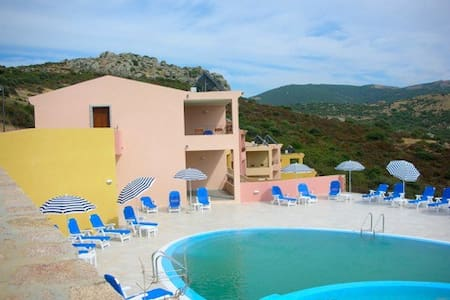 appartamento con piscina t03 - Trinità d'Agultu e Vignola - Leilighet