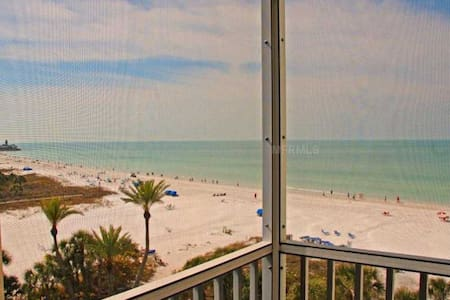 2 BR/2BA Beachfront condo.  Panoramic Gulf Views! - Apartamento