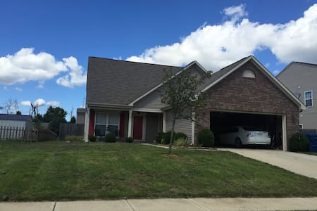 3BR home 8 miles from downtown - Indianapolis - Ház
