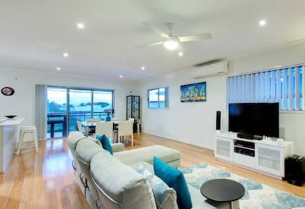 Modern-Space-Close to Airport & CBD - Hendra - Apartment