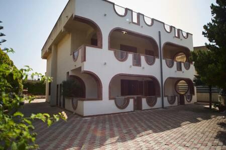 Villa LeonDune - Villa