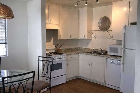 Peaceful BR in spacious 2BR apt AMAZING LOCATION - Pis