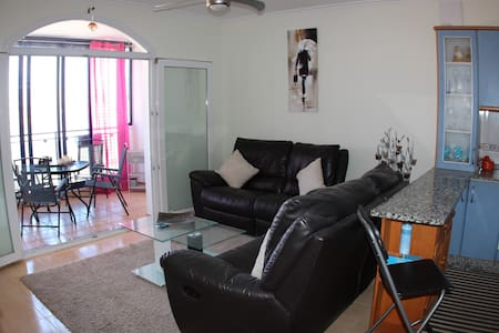 2 Bedroom Apartment with Private Roof Terrace - Apartamento