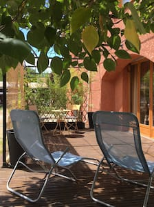 Chambre avec terrasse. - Charleval - Huis