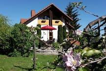 Ferienwohnung im Garten im Winzerdorf Britzingen