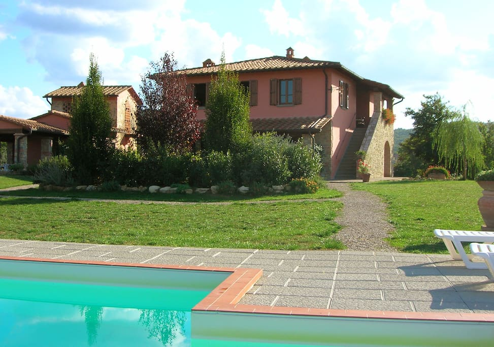 piscina e giardino