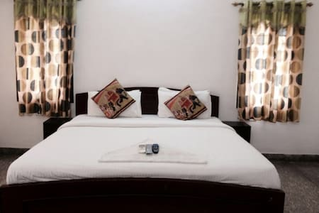 Private Room for couples at Oasis ECR - Chennai
