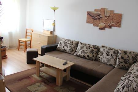 2 bedroom apartment in Targoviste - Byt