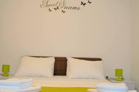 Apartments Zora / One bedroom A1 - Rogoznica
