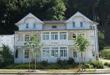 2-Zi-Ferienwohnung in VILLA AMANDA in Binz - Apartamento