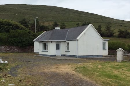 2 bedroom traditional cottage Dugort Achill - Casa