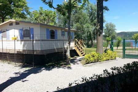 Lodgetent/cottage direct aan LAGO MAGGIORE Nr 100 - Dormelletto - Cabaña
