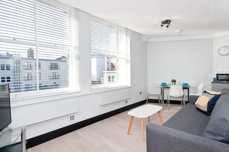Warehouse Conversion 1 bed plus sofa bed - Londres