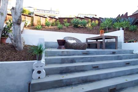 Hillside Casita & Outdoor Oasis - Los Angeles - Maison