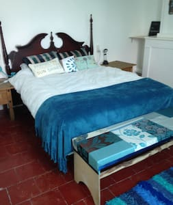 Two private rooms in town house in Esperaza - Espéraza - House