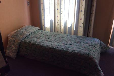 Girls accommodation near the center of brussels - Leilighet