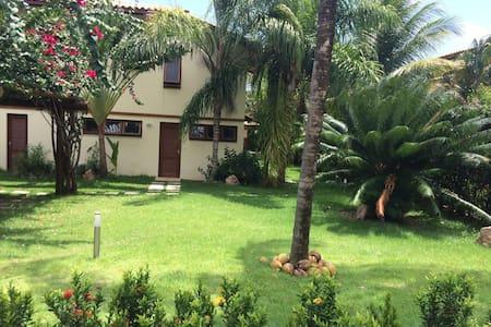 Casa linda no cond.reserva Imbassay - Ev