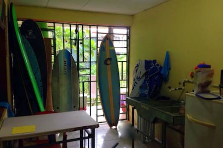 the surfer's room - House
