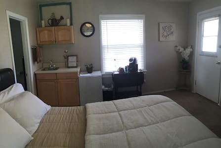 Quaint Cottage in Santa Margarita - Santa Margarita - Apartment