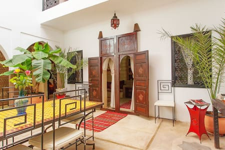 Riad au cœur de Médina de Marrakech groupe 10 Pax* - Marrakech Menara - Bed & Breakfast