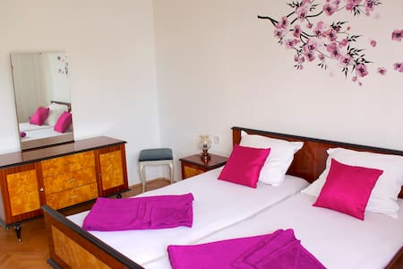 Room & optional breakfast near sea Tera - Dramalj - Bed & Breakfast